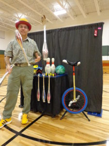 Juggling clubs with prop table